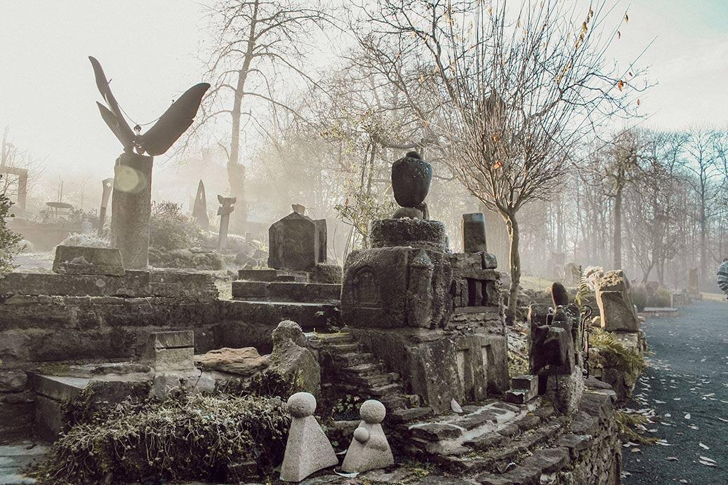 Mystisches Bild vom Garten der geliebten Steine