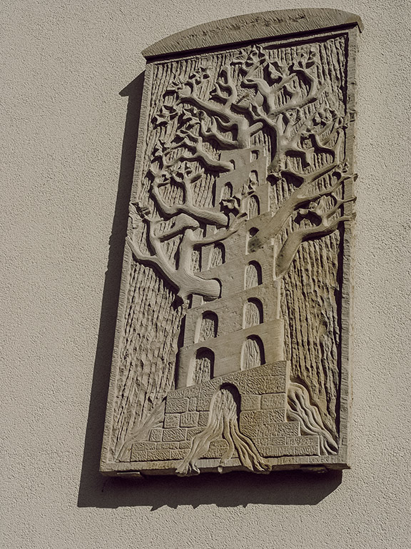 Großrelief für das Seniorenheim Bückeburg mit Lebensbaum