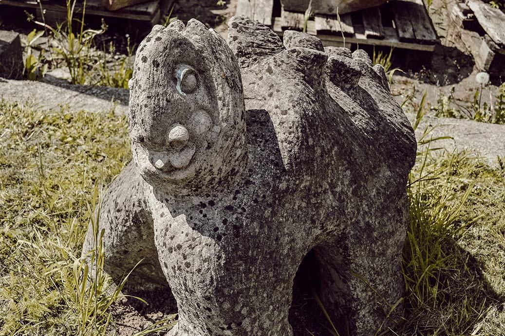 Babydrache aus Stein